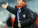 Clemente calienta el partido del Madrid contra el Murcia