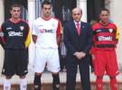 El Sevilla FC presenta con polémica sus nuevas camisetas para la Champions League