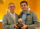 Casillas recoge su galardón como mejor portero del mundo del año 2008