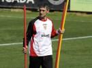 Quique Sánchez Flores y Antonio Álvarez seguirán en el banquillo de Atlético de Madrid y Sevilla