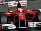 Fernando Alonso marcó el mejor tiempo en la segunda jornada de pruebas con Pirelli