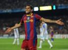 Dani Alves renueva con el Barcelona hasta 2015
