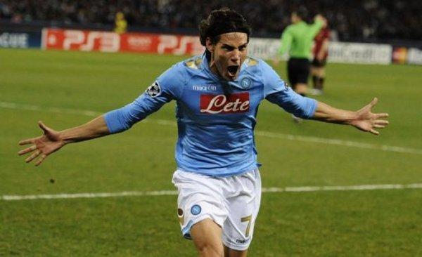Los goles de Cavani acercan al Nápoles a los octavos de Liga de Campeones