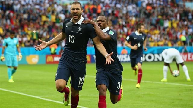 Benzema se estrenó con 2 goles