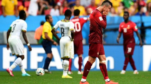 Cristiano Ronaldo hundido tras la eliminación de Portugal en el Mundial