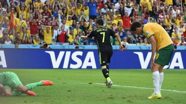 Villa se despide de la selección con un bonito gol