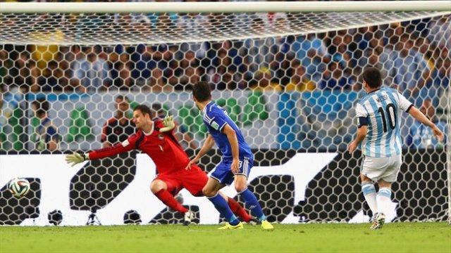 Messi allanó el camino de la victoria de Argentina