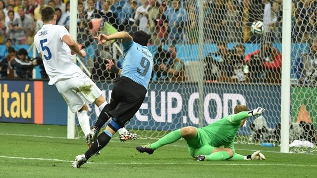 Luis Suárez regresó para darle la victoria a Uruguay