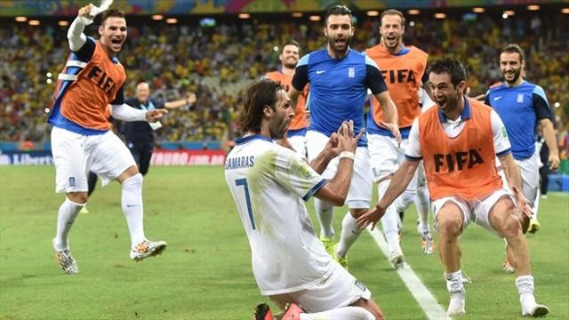 Samaras metió a Grecia en octavos con un gol de penalty