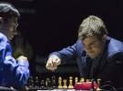 Magnus Carlsen repite como campeón mundial de ajedrez en 2014