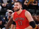 NBA: los Raptors renuevan a Valanciunas