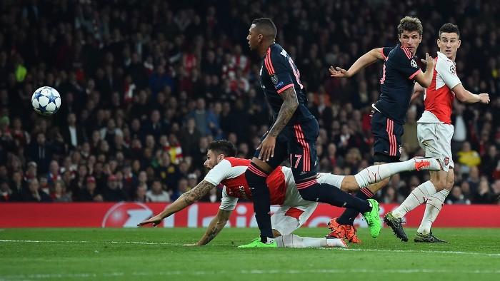 El Arsenal venció al Bayern en la Champions