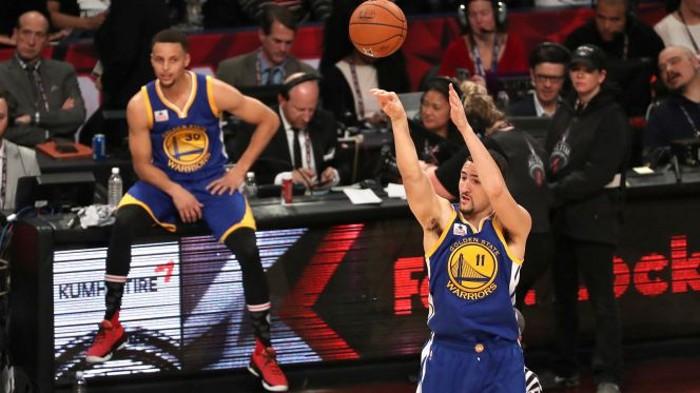 Klay Thompson superó en la final del concurso de triples a Stephen Curry