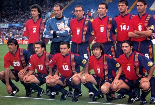 El equipo titular de España ante Rumanía en Inglaterra 96