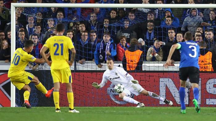 Andre Silva marcó de penalty el gol de la victoria del Oporto