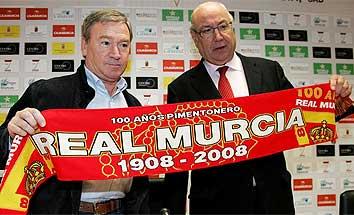 Clemente es presentado como nuevo técnico del Murcia