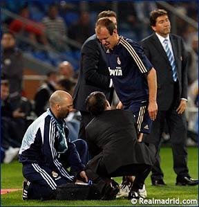 Robben se lesionó tras una dura entrada de Quique Alvarez