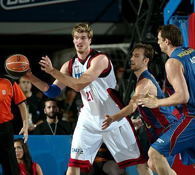 Tau y Barça disputan el tercer partido de la Final de la Liga ACB