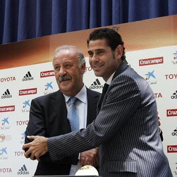 Vicente Del Bosque sustituye a Aragonés al frente de la Selección Española