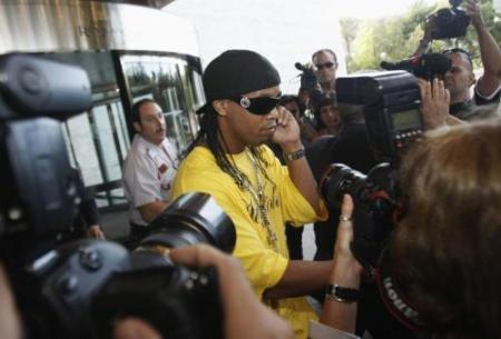 Ronaldinho es traspasado al Milan