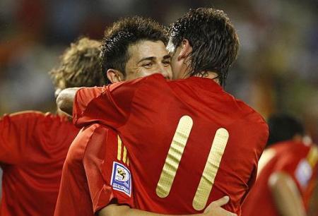 Villa marco dos goles en el España frente a Armenia