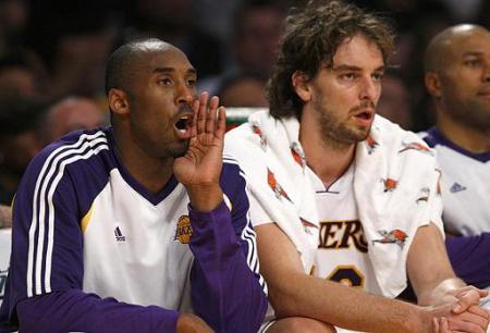 Bryant y Gasol, decisivos en la victoria de Lakers ante Rockets