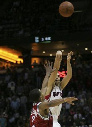 Calderon decisivo en la victoria de los Raptors ante los Bucks