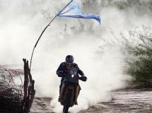 Carlos Sainz y Marc Coma son más líderes tras la octava jornada del Dakar