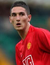 El Manchester United mantiene el liderato de la Premier tras ganar en el descuento con gol de Macheda