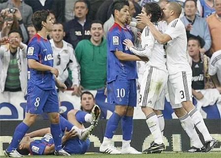 Pepe propino un puñetazo a Albín