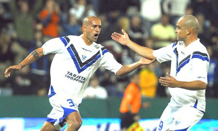 Velez Sarsfield pasa a liderar el torneo argentino