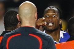 La UEFA sanciona a Drogba y a Bosingwa
