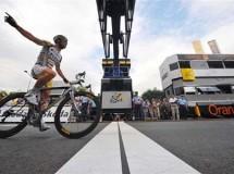 "Tour'09 Etapa 10: llegada ""pactada"" al sprint y victoria para Mark Cavendish"