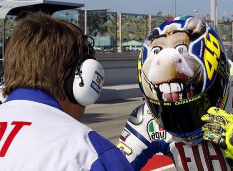 Valentino Rossi consigue la pole en Misano seguido por Pedrosa, Lorenzo y Elías
