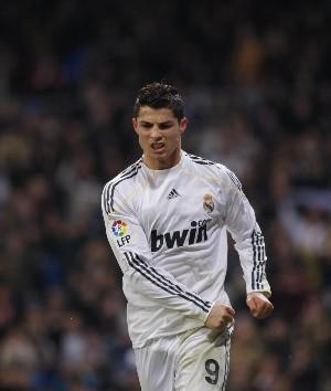 Cristiano Ronaldo consigue un doblete ante el Malaga pero acaba expulsado