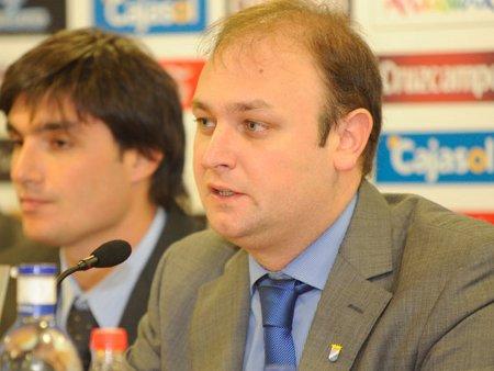 Los aficionados del Xerez conocieron ayer a su nuevo presidente, Federico Souza