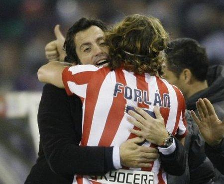 Diego Forlán dedicó su gol a Quique, un gol que vale unas semifinales de Copa
