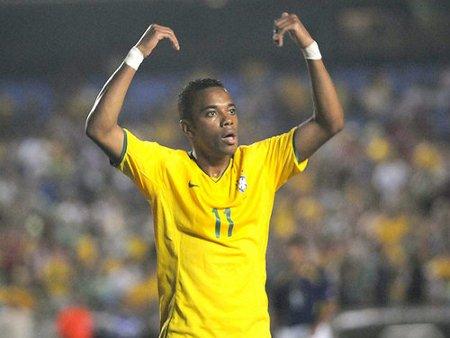 Robinho regresa al Santos brasileño para ganar minutos y estar en el Mundial