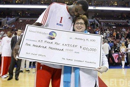 El pivot de los Sixers Samuel Dalembert donó 100 mil dólares para los damnificados del terremoto de Haití