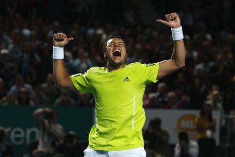 Tsonga supero a Djokovic y se medira a Federer en semifinales