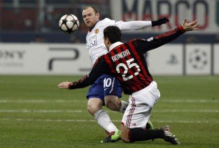 Wayne Rooney se estrenó en la Champions League con un doblete frente al Milan