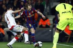 Liga Española 2009/10 1ª División: el Barça derrota con dificultades a Osasuna y presiona al Madrid