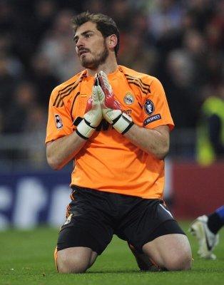 Así se quedó Iker Casillas tras el gol de Pjanic que eliminaba al Real Madrid de la Liga de Campeones