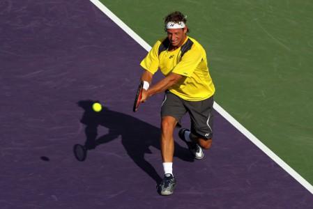 David Nalbandian avanzo a segunda ronda en Miami