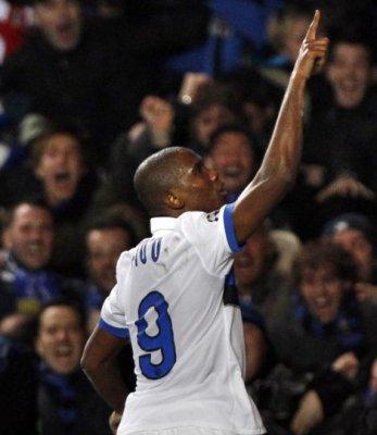 Un gol de Eto'o mete al Inter en cuartos de final y deja en la cuneta al Chelsea