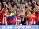 Europa League: el Atlético de Madrid se proclama campeón con un afortunado gol de Forlán