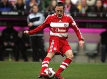 Ribery no se moverá del Bayern y renueva hasta 2015