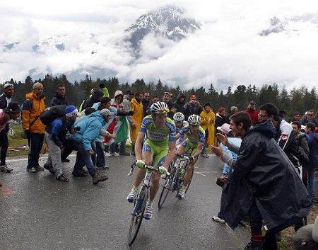 Ivan Basso demostró en las rampas del Mortirolo que es el más fuerte del Giro de Italia 2010