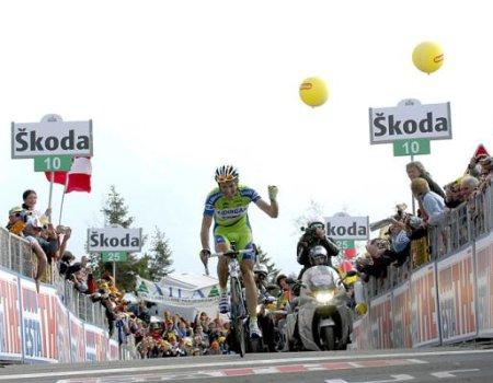 Ivan Basso coronaba en solitario el Monte Zoncolan y ganaba la etapa reina del Giro 2010
