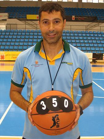 Manolo Hussein cumplio 350 partidos como entrenador en su etapa de CB Murcia
